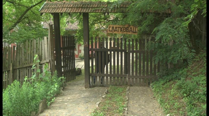U poseti etno selu Slatkovac