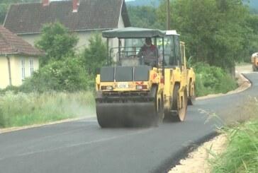 Radovi na asfaltiranju puta od Kruševca prema Jastrepcu