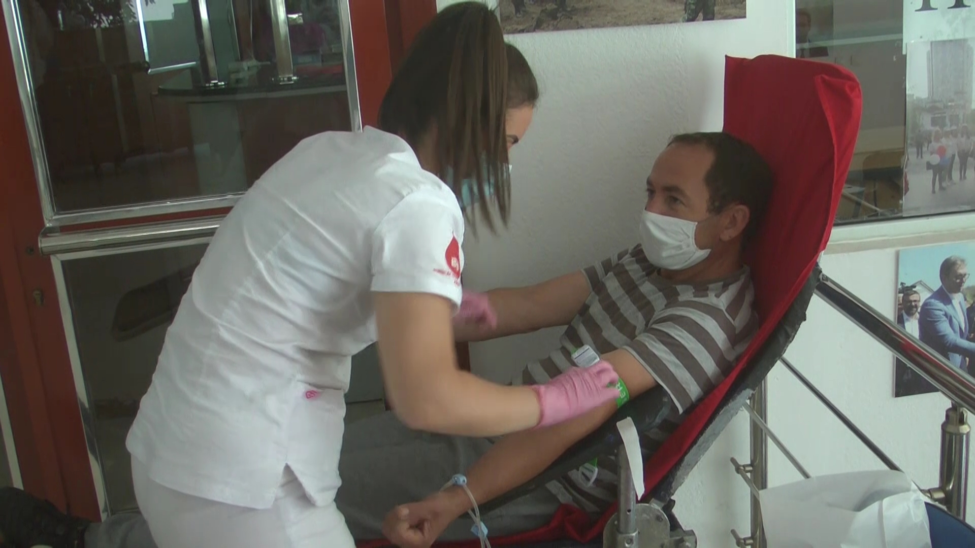U akciji dobrovoljnog davanja krvi koju je organizovao Gradski odbor SNS prikupljeno 20 jedinica