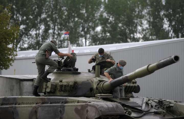 Tenkovski bataljon prikazao svoje sposobnosti u Sremskoj Mitrovici