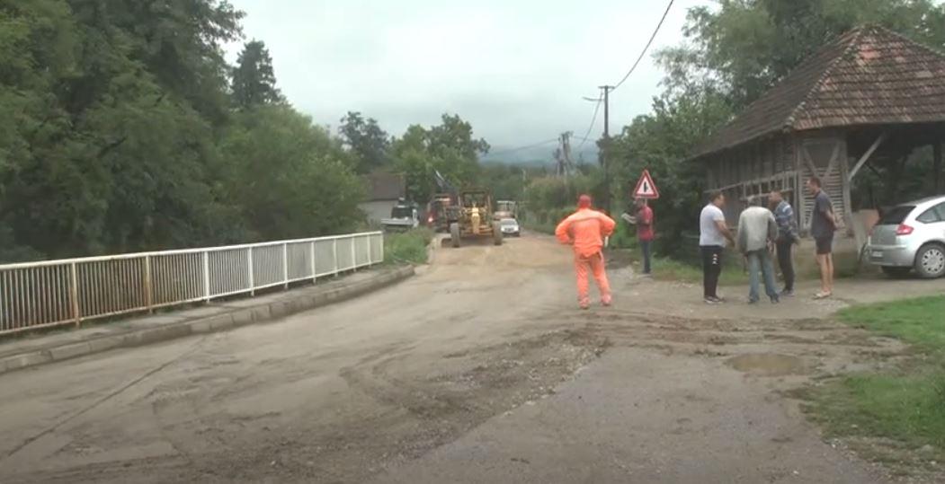 Radovi na putu Kruševac Jastrebac kroz selo Velika Lomnica i regulacija korita Lomničke reke