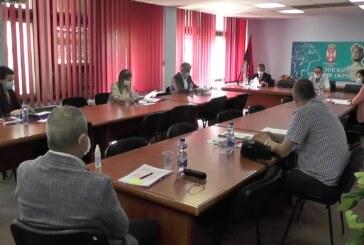 Savet Rasinskog upravnog okruga o aktuelnoj epidemiološkoj situaciji i tekućim projektima