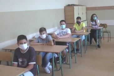 Đaci ponovo u učionicama