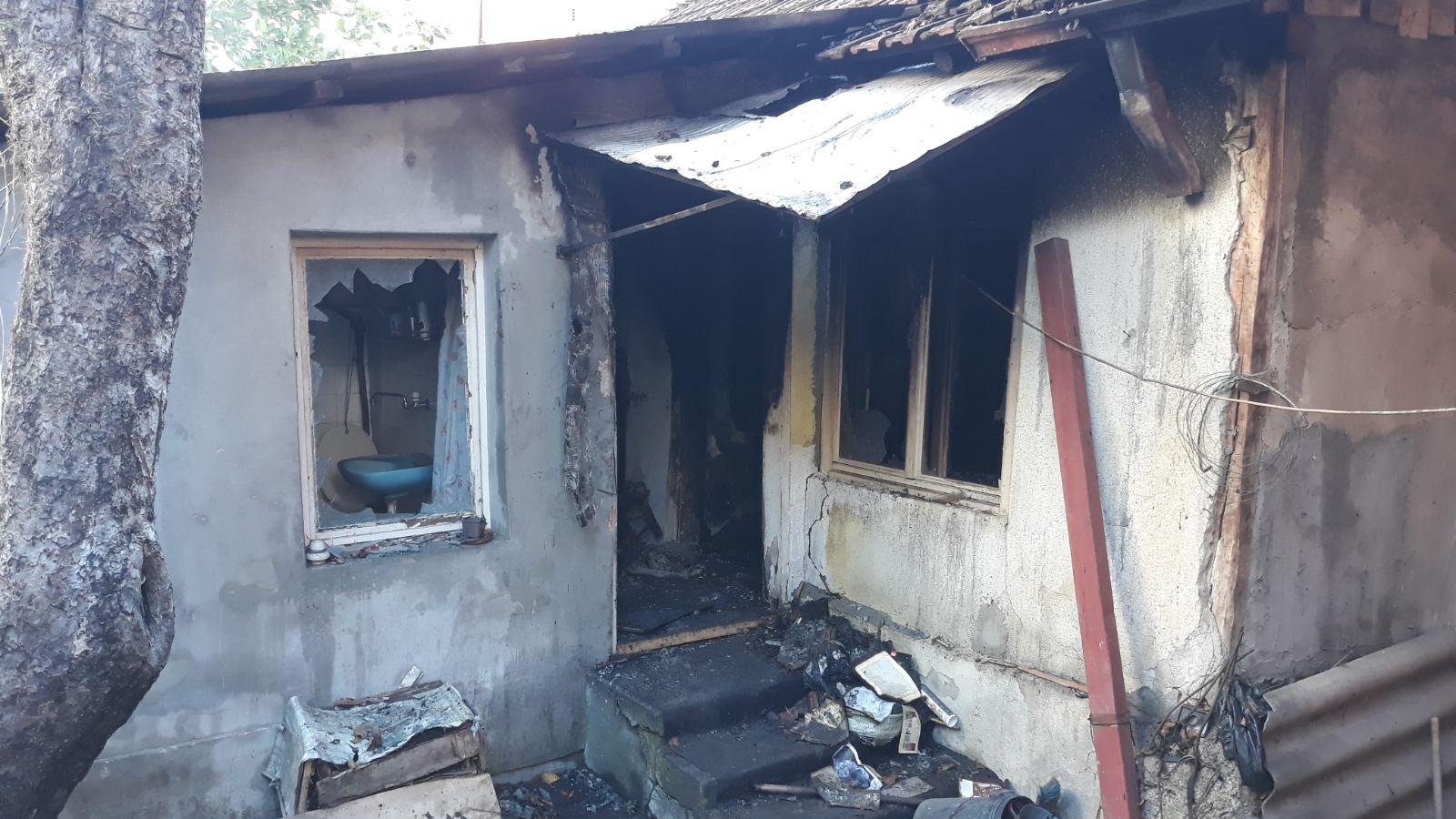 Muškarac izgoreo u požaru u ulici Majke Jugovića u Kruševcu (FOTO + VIDEO)