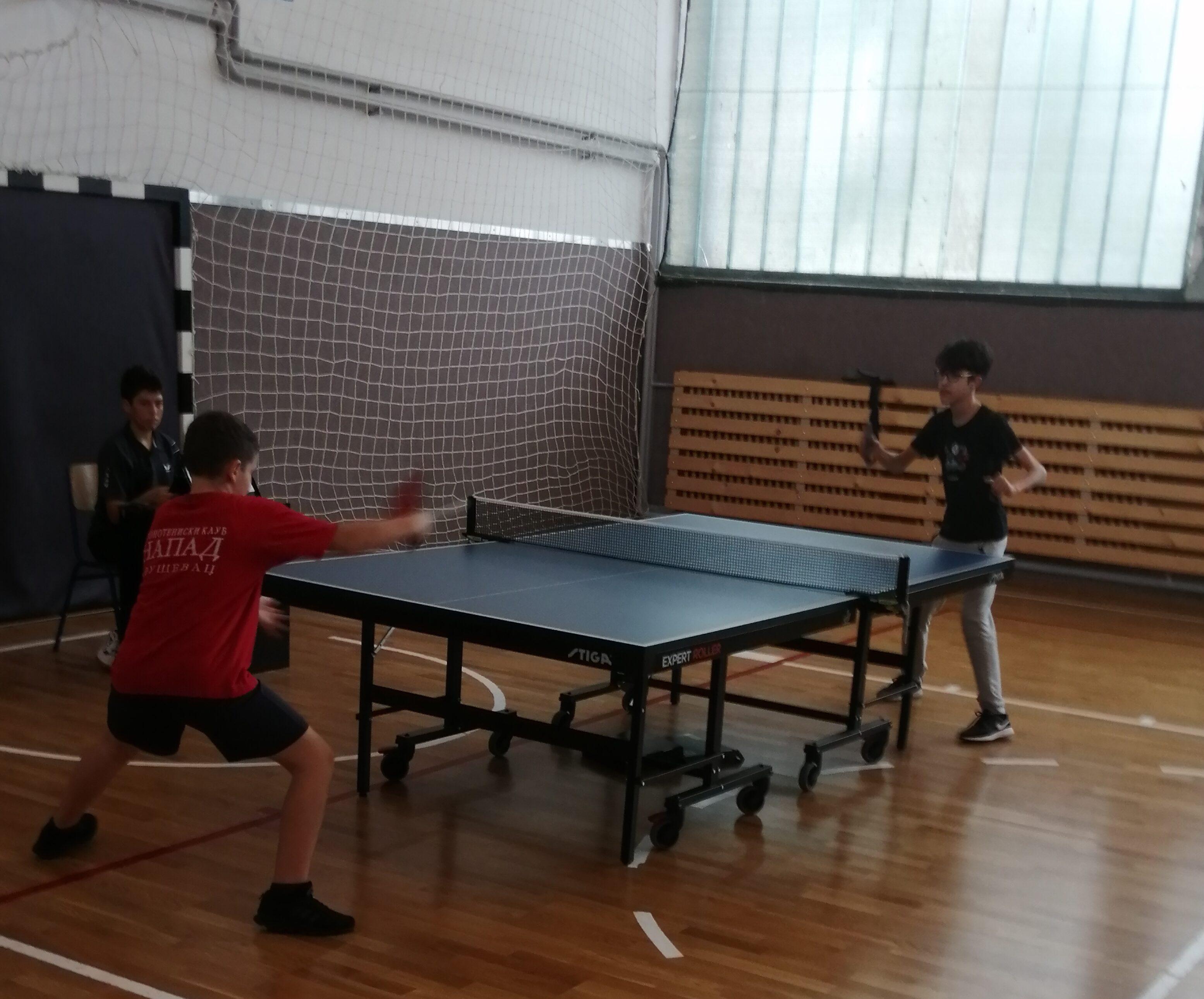 """U OŠ """"Vuk Karadžić"""" održano gradsko takmičenje u stonom tenisu"""