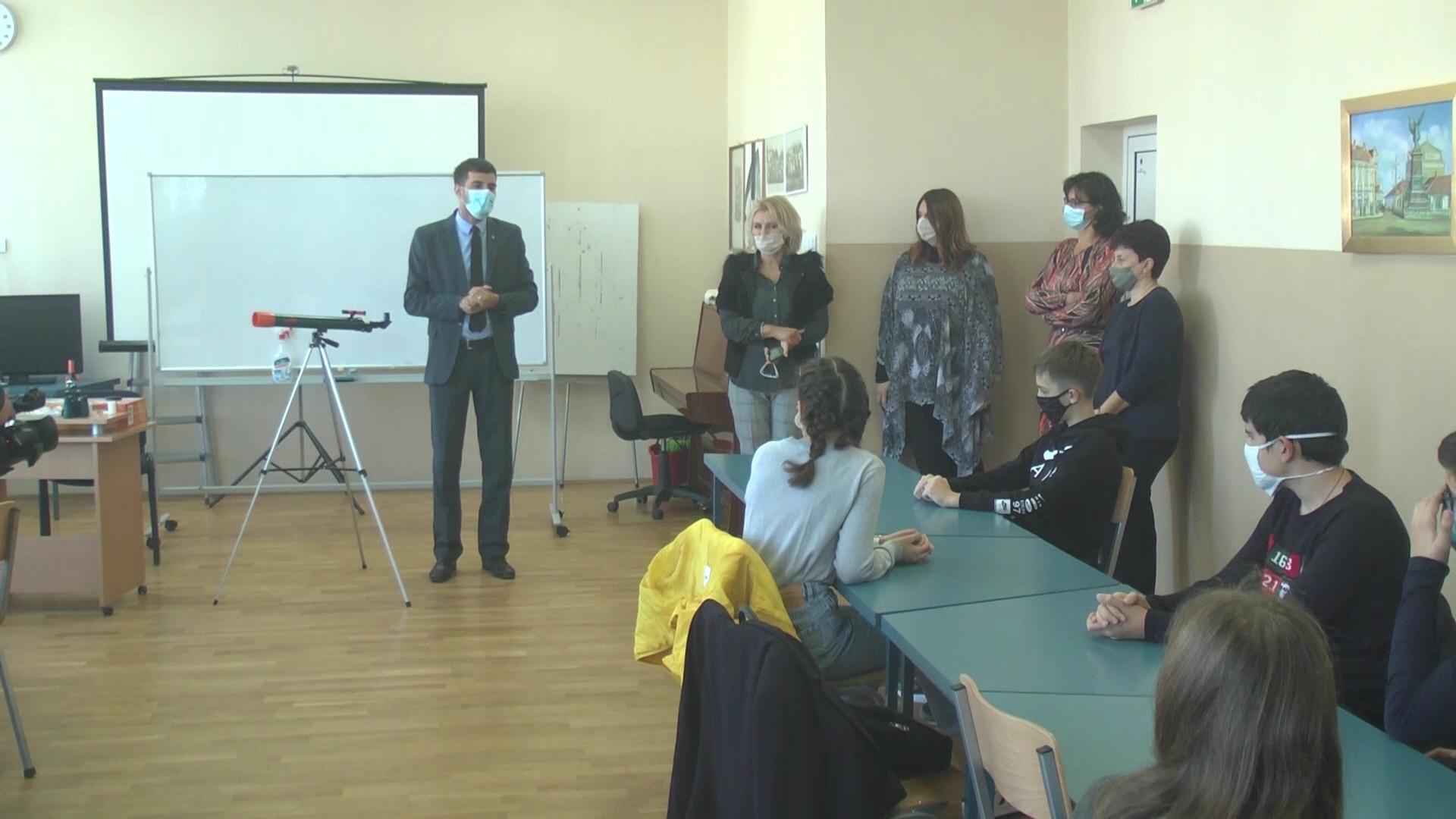 """Astronomska sekcija u OŠ """"Nada Popović"""""""