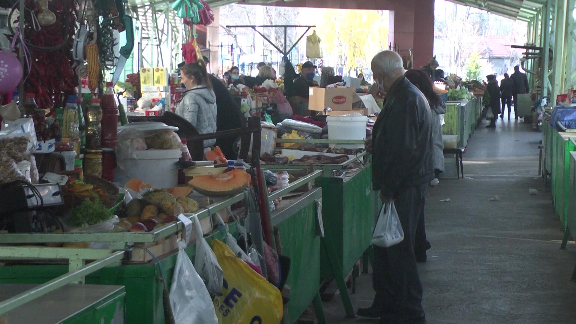 Stara zelena pijaca – cene pristupačne – manje kupaca