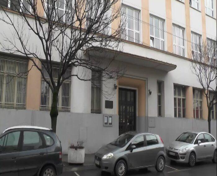 Obaveštenje iz Gimnazije: Ministarstvo prosvete produžilo rok za prijavljivanje učenika osmih razreda osnovnih škola za polaganje prijemnih ispita za specijalizovana odeljenja