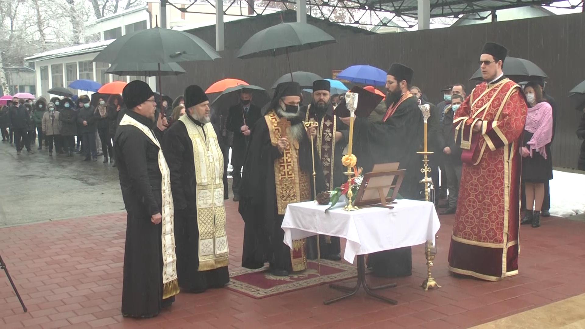 Episkop kruševački David osveštao u Trajal korporaciji novopodignutu crkvu Svetog Agatonika