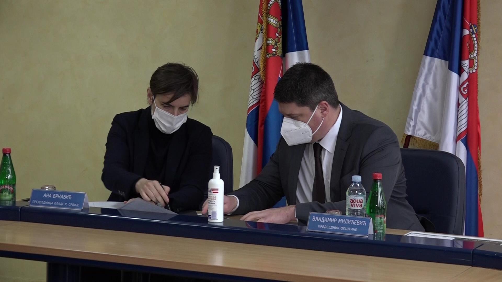 Paraćin posetila delegacija Vlade Srbije na čelu sa premijerkom Anom Brnabić