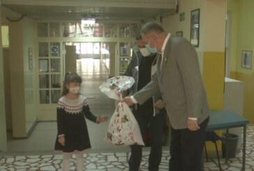 Povodom Svetskog dana – Rotari klub Kruševac podelio paketiće učenicima
