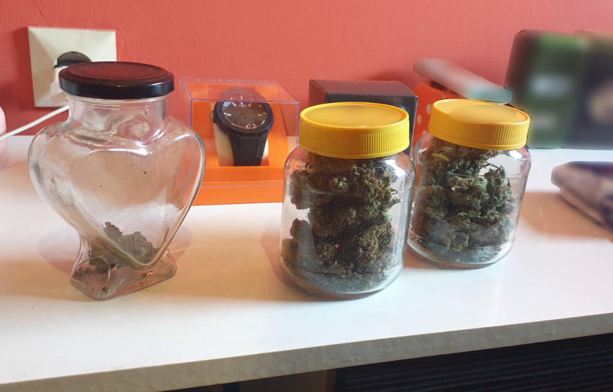 Kod muškarca u Kruševcu pronađena marihuana