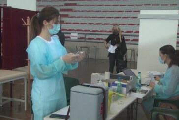 Masovna vakcinacija odvija se po planu u kruševačkoj Hali sportova