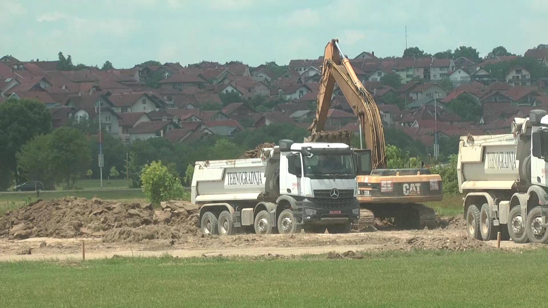 Izgradnja stadiona FK Jedinstvo – investicija vredna sto miliona dinara radi se u tri faze