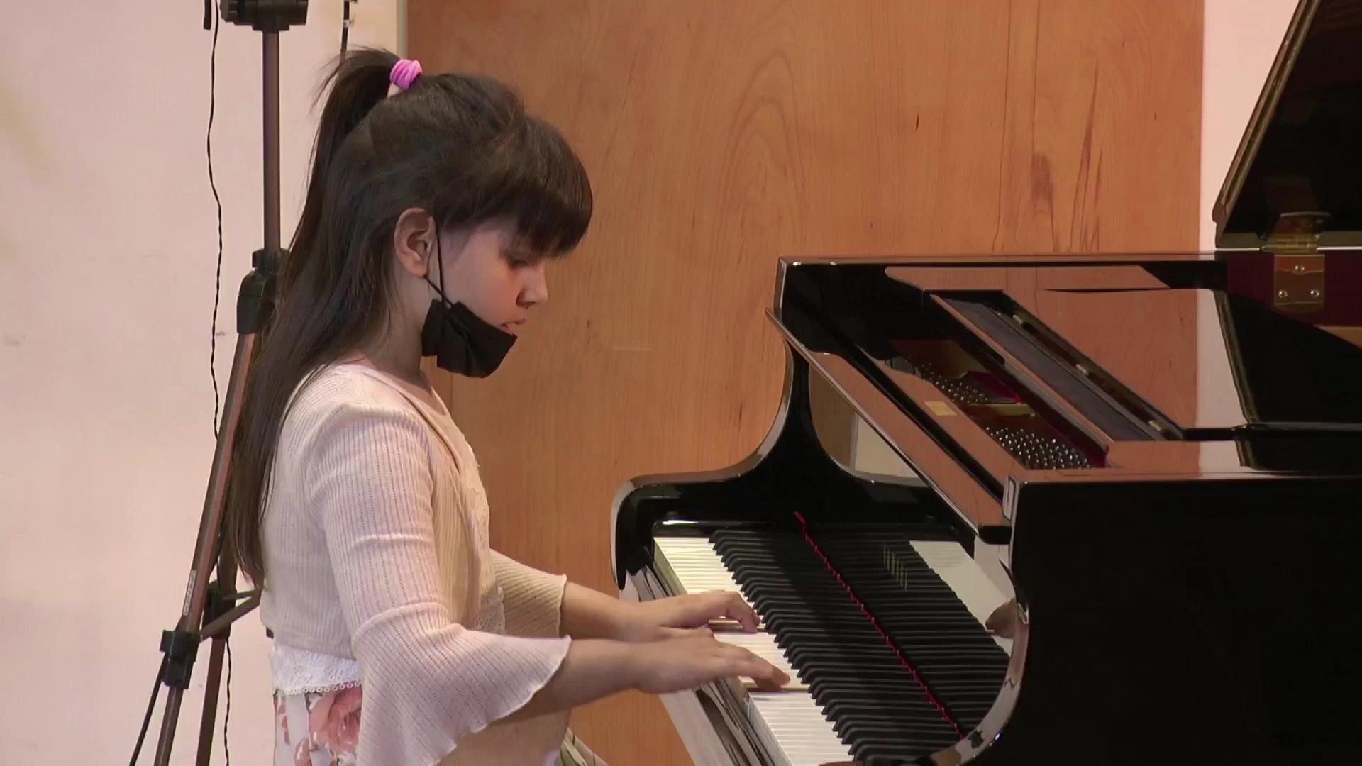 """Na Međunarodnom muzičkom takmičenju učenica klavira Muzičke škole ,,Stevan Hristić"""" osvojila drugo mesto"""