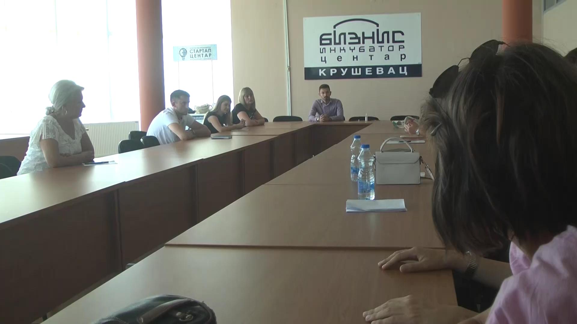 """Obuka u Biznis inkubatoru u okviru projekta """"Uključi se i unapredi lokalnu zajednicu"""""""