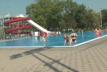 Oko hiljadu i po Kruševljana svakodnevno poseti Otvorene bazene Sportskog centra