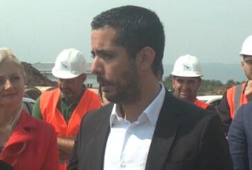 Ministar Tomislav Momirović, tokom posete Kruševcu obišao radove na izgradnji piste na aerodromu Rosulje