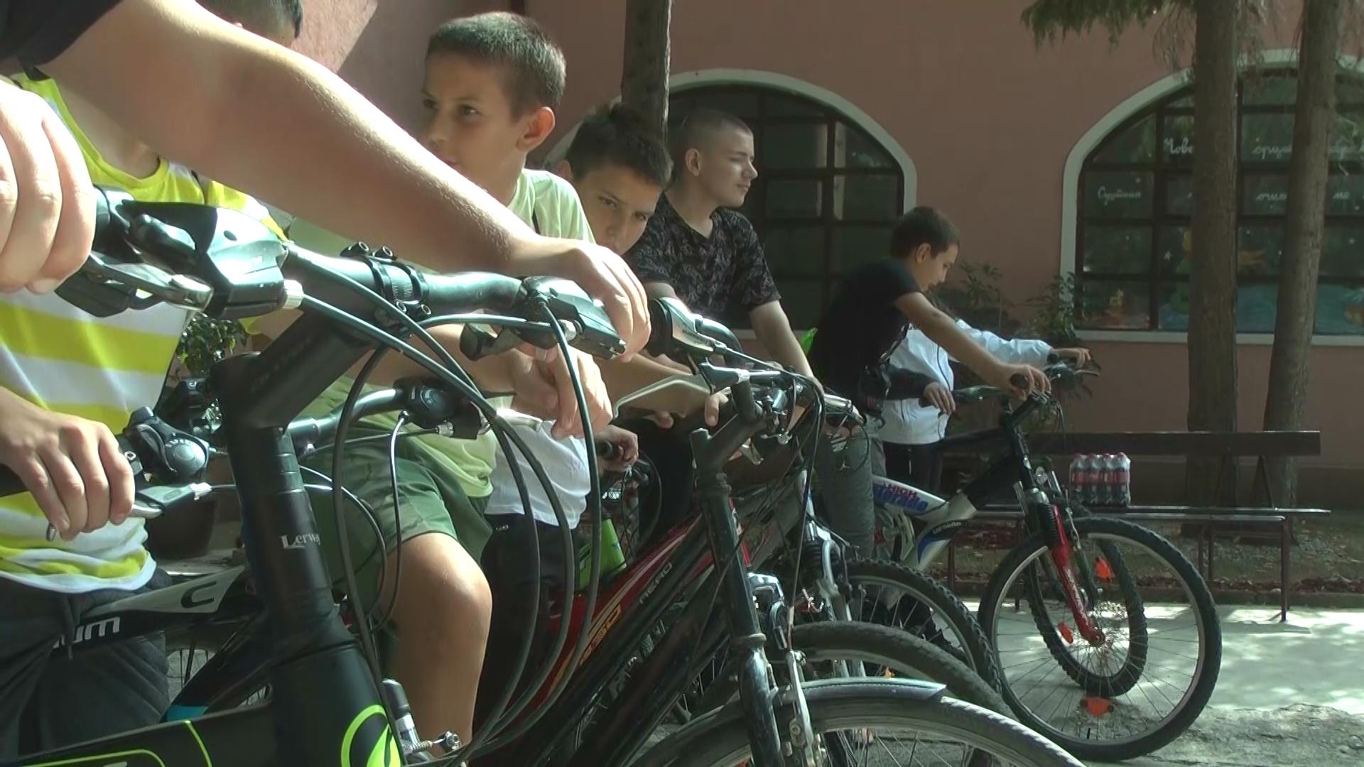 EVROPSKA NEDELJA MOBILNOSTI: Đaci vozili bicikle od Velikog Šiljegovca do Zebice