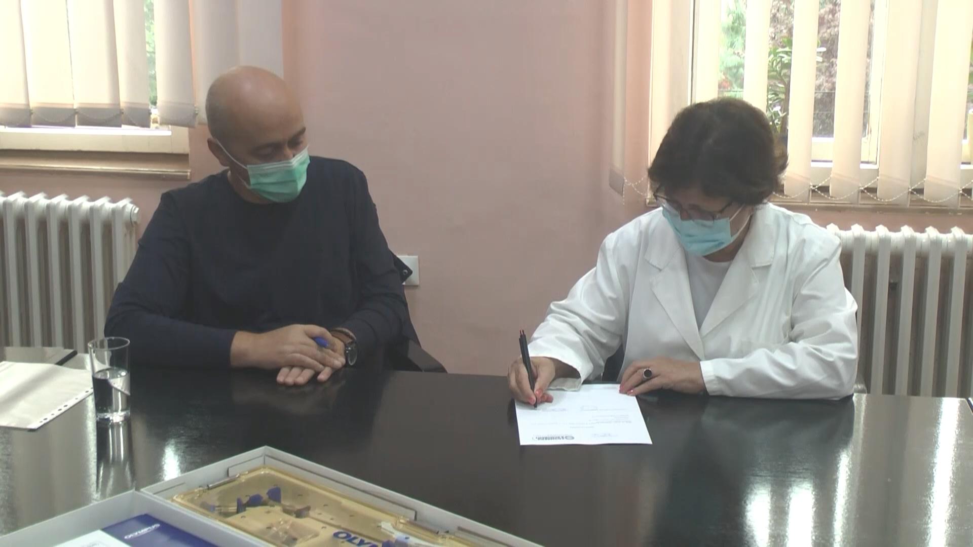 Kompanija Kromberg i Šubert donirala aparat Odeljenju urologije Opšte bolnice Kruševac